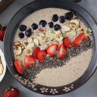 Banana-Almond Smoothie Bowl