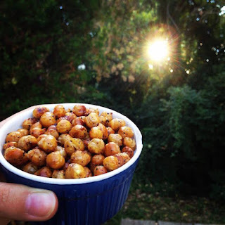 Crunchy Salt & Vinegar Chickpeas. {Recipe}