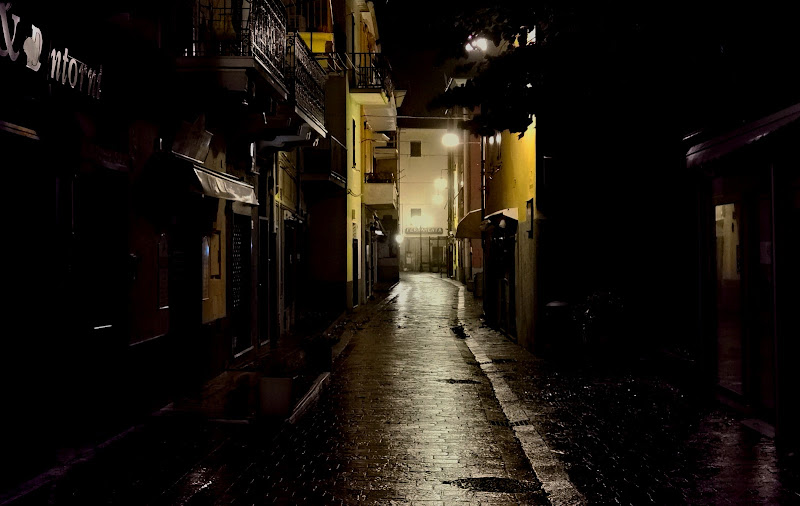 Connubio magico: pioggia, notte, silenzio di Rodema