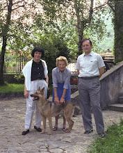 Photo: Aprile 1989 in gita a Nava dall'amica Jucci e il suo cane Dana