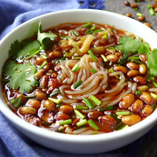 Hot And Sour Glass Noodle Soup (酸辣粉).