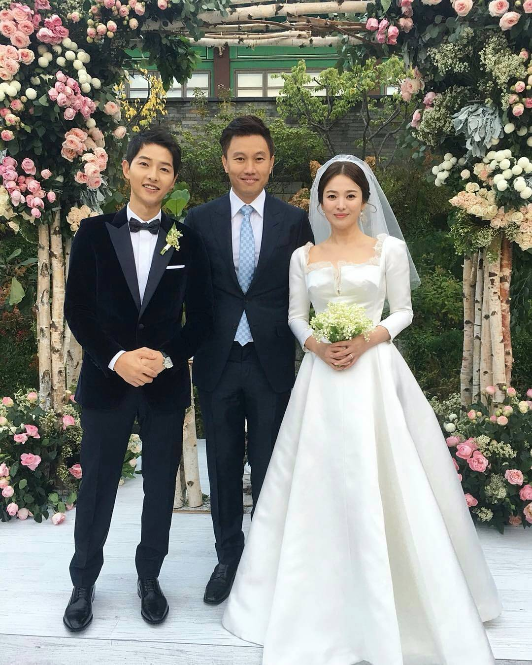 TRENDING Song Hye Kyo Started Crying After Joong Ki Said This To Her At Their Wedding