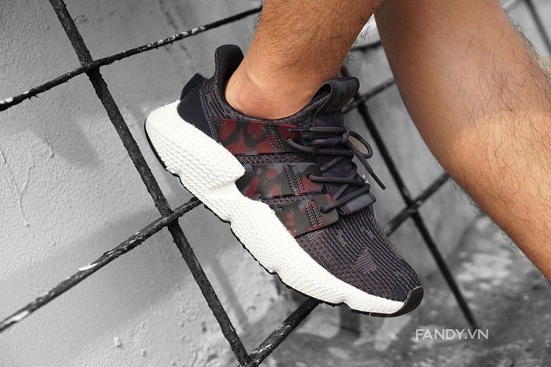 giay adidas prophere camo black