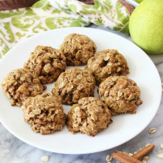 Cinnamon & Pear Oatmeal Cookies.