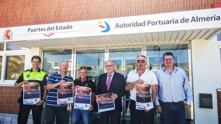 Foto de familia en la Autoridad Portuaria de Almería.