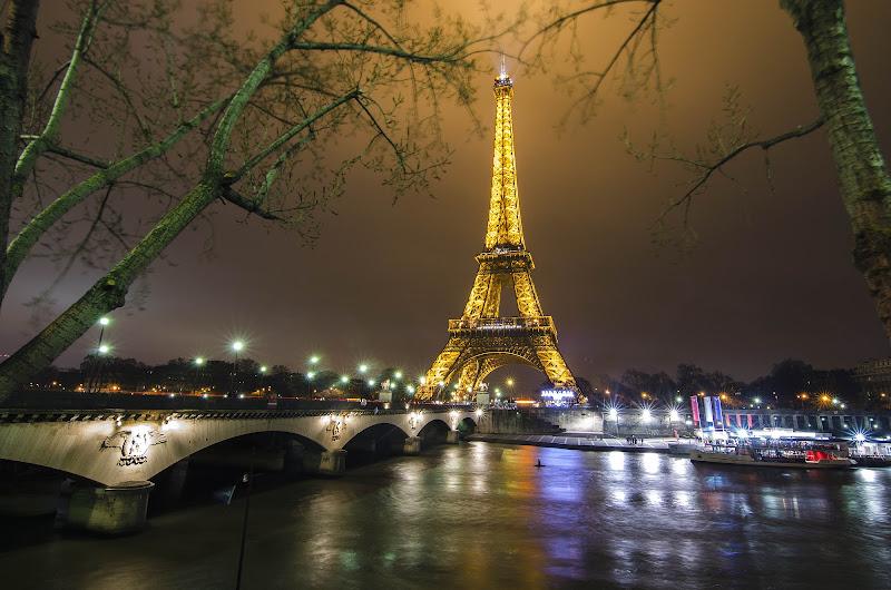 Tour Eiffel by night !! di nicola012