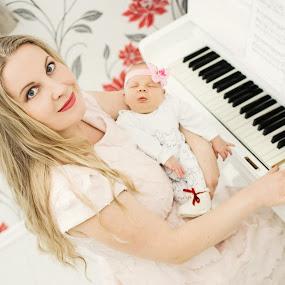 Melody of the heart by Nadezda Tarasova - People Maternity ( love, piano, woman, baby, nice )