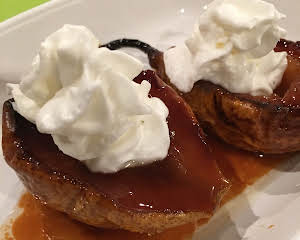 BONNIE'S BAKED PEARS WITH WHIPPED CREAM