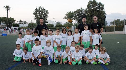 El CN Almería presenta a sus estrellas del futuro