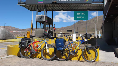 Photo: Peaje de Pampa Galeras Nazca-Cusco en bici 30-Jun. al 07-Jul. (2012)