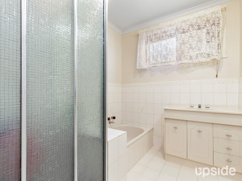 Photo of property at 10 Blue Mount Road, Trentham 3458