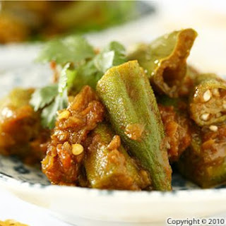 Okra Tomato Curry Recipe (Bhindi Masala)