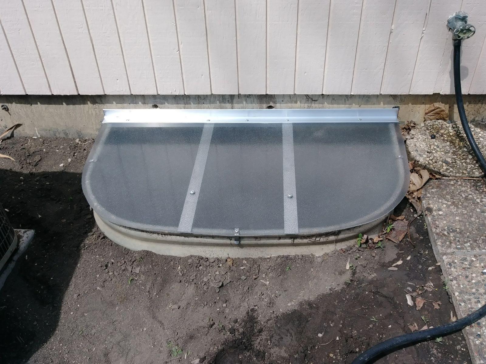 Oak Lawn, IL-HandyManny Custom Window Well Covers