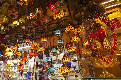 colorful-lamps-grand-bazaar.jpg - Colorful lamps along a side walkway at the Grand Bazaar in Istanbul, Turkey.