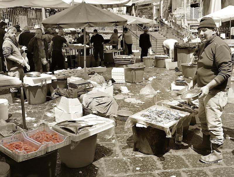 Catania : mercato del pesce di Isidoro.