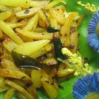 Kaplanga Ularthu/Stir-fried Green Papaya.