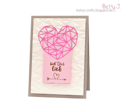 Photo: https://bettys-crafts.blogspot.com/2017/12/hab-dich-lieb.html