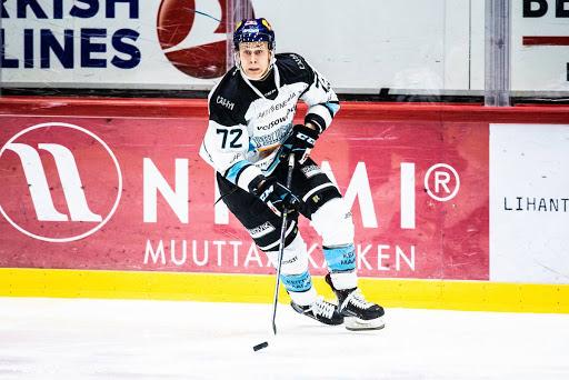 Voimaa kroppaansa saanut Jesse Ylönen on valmis koviin pudotuspelivääntöihin. (Kuva: Mikko Pylkkö)