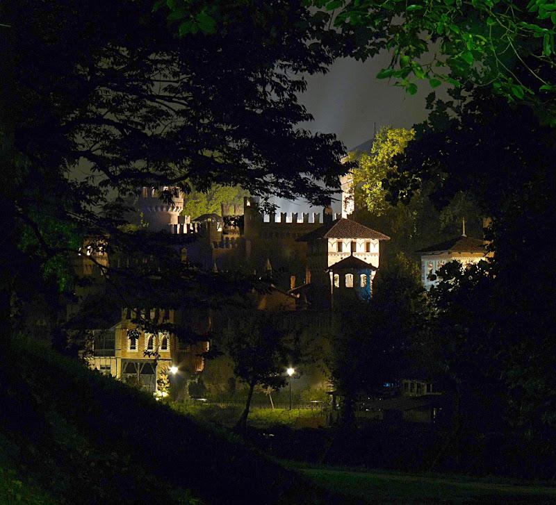 Il bosco si aprì e videro il castello incantato di befed
