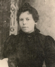 Photo: besàvia paterna Carme Vives i Domènech (Masllorenç, Baix Penedès, ? – † Sabadell, 23-1-1904) Casada amb Joan Escapa i Renom, sastressa