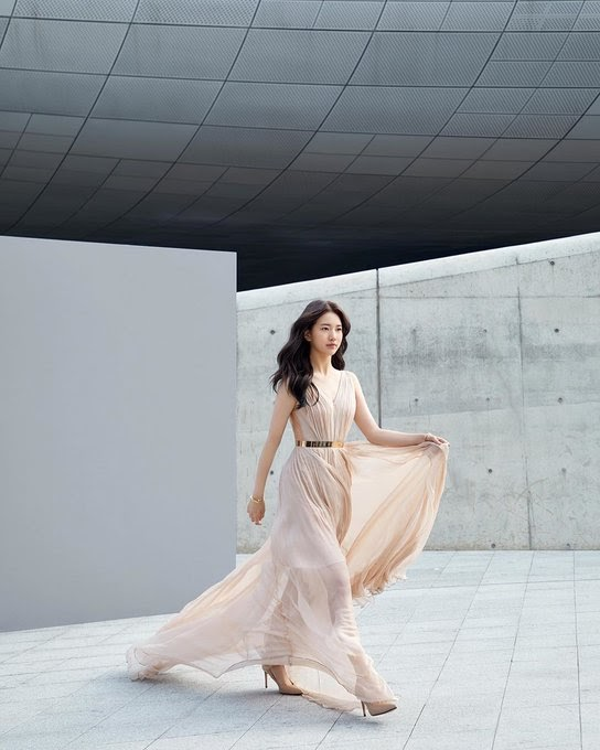 suzy gown 36