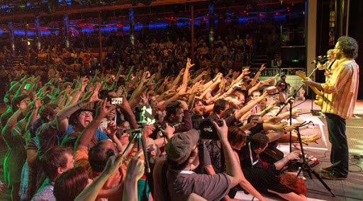Fans rock out to Jonathan Coulton during the February 2015 JoCo Cruise.