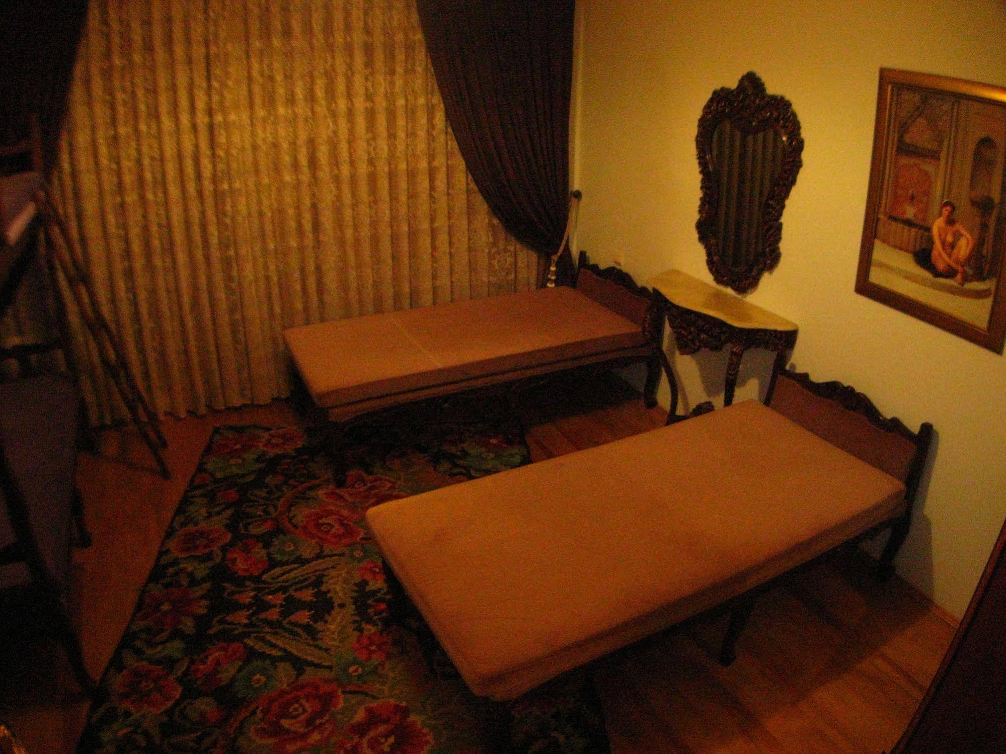 Chambers Of The Boheme