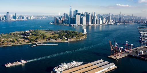 Ponant-New-York-Manhattan.jpg - Sail from New York City on a Ponant cruise to Boston, Newport, R.I., and Bar Harbor, Maine.