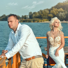 Wedding photographer Aleksandr Kompaniec (fotorama). Photo of 08.09.2018
