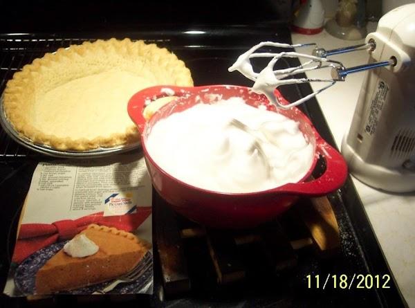 Bake and cool the pie shell. In a medium saucepan, mix unflavorid gelatine, brown sugar,salt...