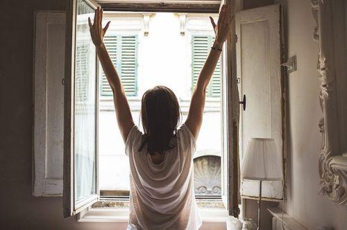 早晨沐浴在陽光下