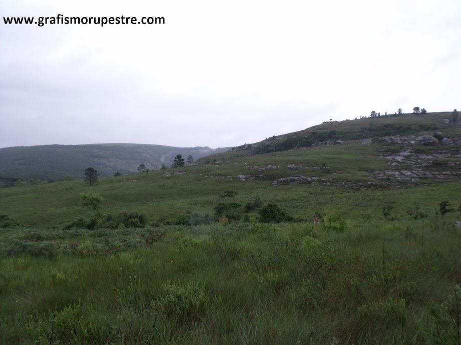 Visão a partir da lapa norte do Abrigo Usina São Jorge – Ponta Grossa - Paraná. Foto: Jean Felipe Goes, 2009.