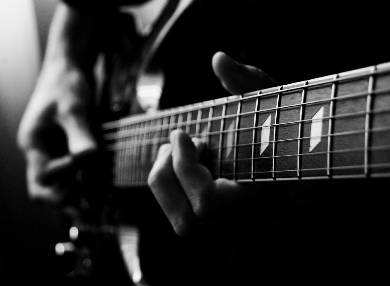 File:Electric guitar