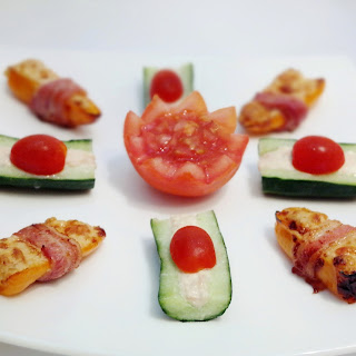 Delicious Stuffed Mini Pepper Snacks with Philadelphia Cheese and Tuna.