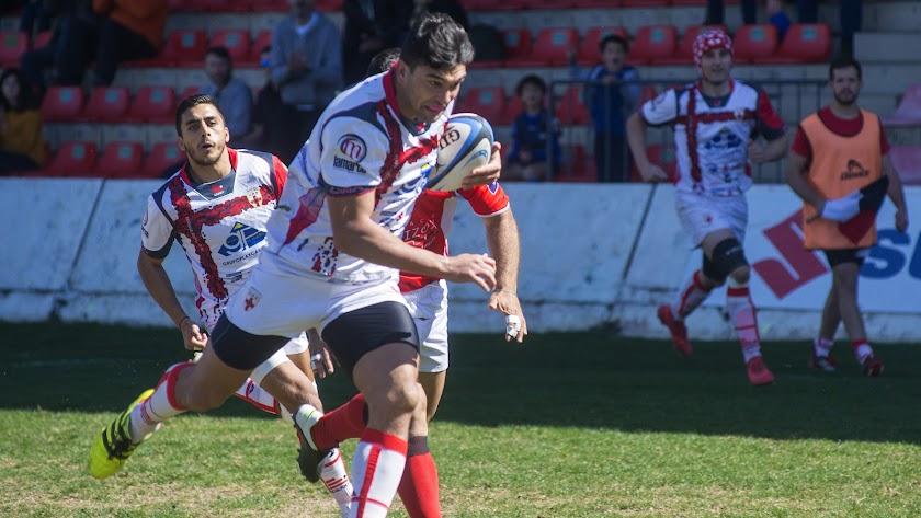 Una jugada del partido. Foto: Antonio Jesús Gª.