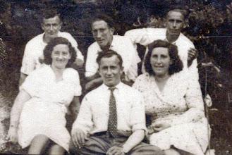 Photo: Arriba: Manolo Herrero, Jesús Gonzalez, Manolo Gutierrez. Abajo: Josefina, Paco y Carmen.