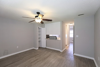 Go to Lowell Floorplan page.