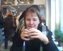 Photo: Kännykkäkuvien ensimmäisiä (vuodelta 2004) - Pirkko Dean & DeLucassa