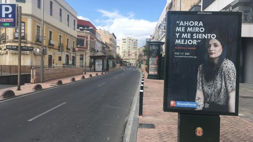 Rambla Obispo orberá vacía, ajena al bullicio habitual que suele inundar una de las principales vías comerciales del centro de la ciudad.