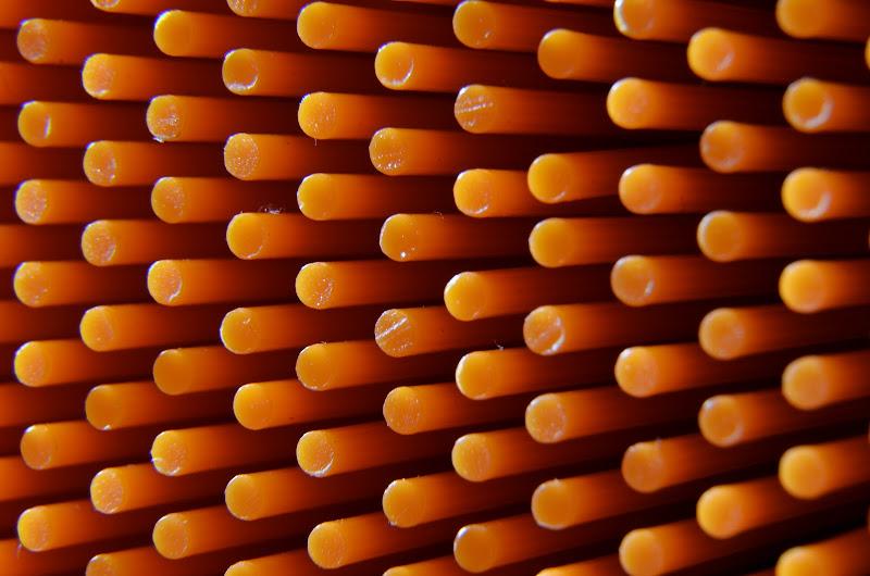 Chiodini arancioni di Emanuele Reasso