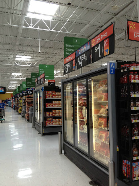 Photo: grocery aisles