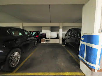 parking à Paris 15ème (75)