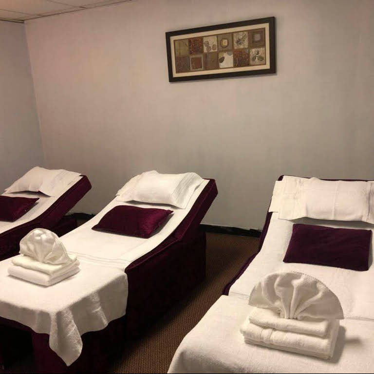 Foot Spa - Asian Massage Therapist in Toledo