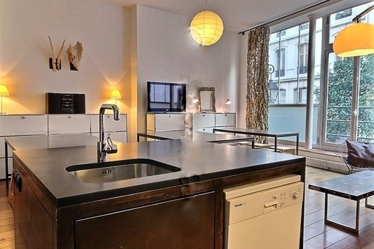 Impeccable kitchen in Paris Grands Boulevards Serviced Apartment, Opera
