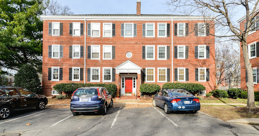 Perfect location! 2 bed/1 bath condo in Fairlington! Check it out at piersonrealestate.com