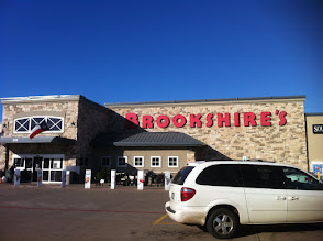 Photo: I visited a Brookshire's Grocery to try out the Coinstar kiosk and use PayPal.