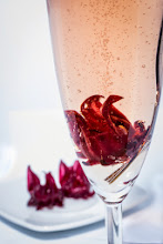 Photo: Sparkling wine with hibiscus flower