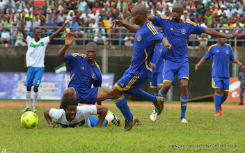 Photo: Michael Lahoud and team mates call out for the penalty. [Leone Stars v Swaziland 31 May 2014 (Pic: Darren McKinstry)]