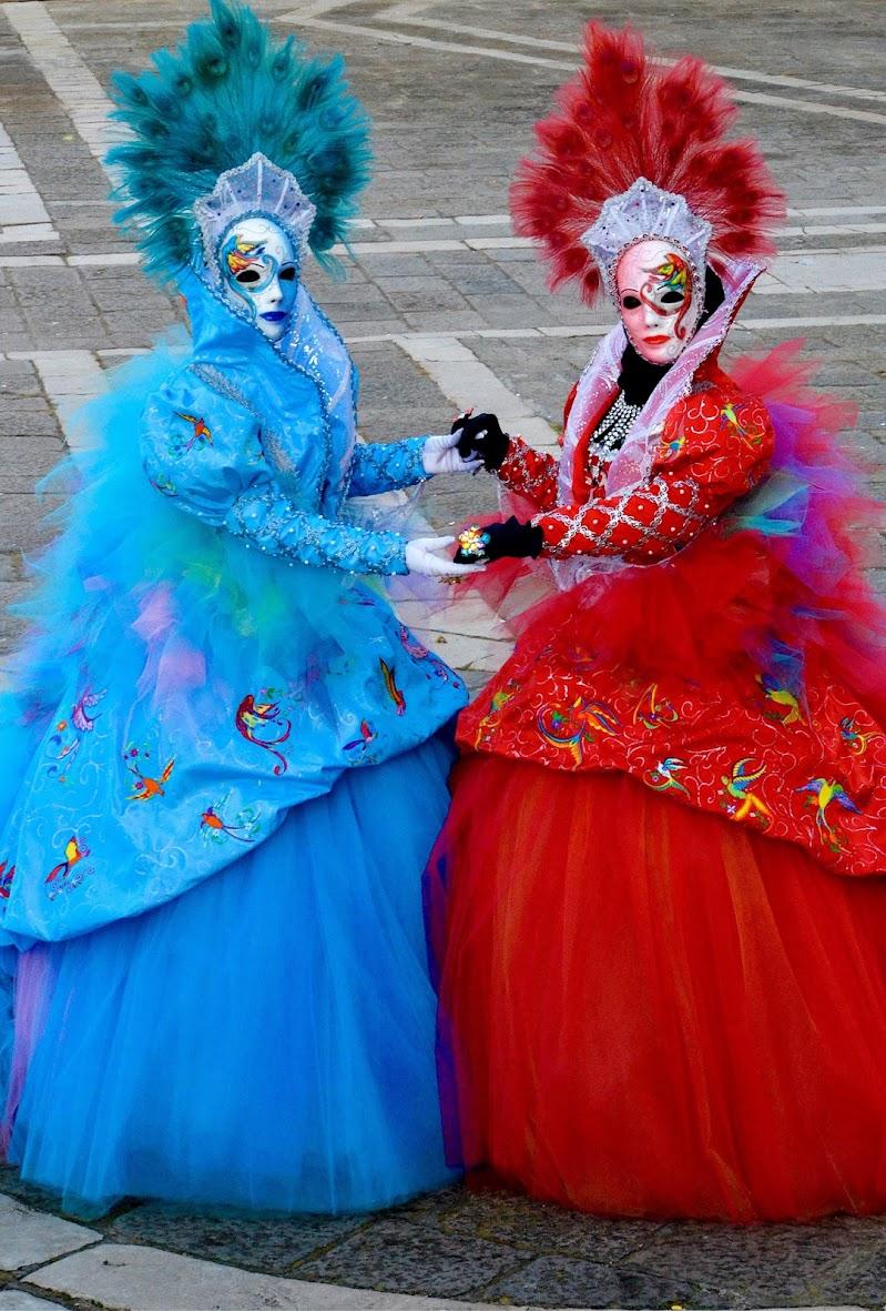 Un vestito , Due colori di giuseppedangelo
