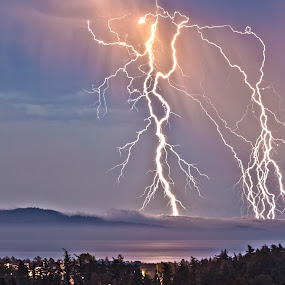 Lightning over Mount Baker by Doug Clement - Landscapes Weather ( clouds, fork, lightning, mountain, mount, fog, baker, rays, storm, stormy, weather )